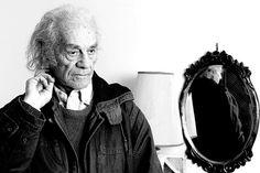 Nicanor Parra (Chile): autodenominado Anti-poeta. Ha escritos grandes poesías de…