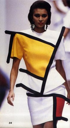 1991 Italian couturier, Francesso Maria Bandini, piggybacks YSL and takes Mondrian's modernist masterpiece into the dimension.Italian couturier, Francesso Maria Bandini, piggybacks YSL and takes Mondrian's modernist masterpiece into the dimension. Piet Mondrian, Mondrian Kunst, Mondrian Dress, 1960s Fashion, Fashion Art, Vintage Fashion, Fashion Design, Fashion Trends, Ysl