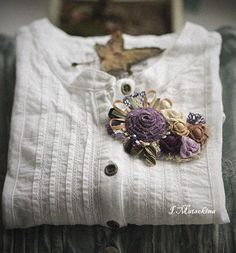 Броши ручной работы. Ярмарка Мастеров - ручная работа Брошь Ностальгия в лиловом цвете. Handmade.