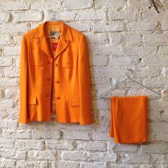 #ferre #vintage #woman #suit #orange #colour #skirt #brickwall  #closetcircuit