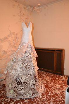 Deathy : Magnifique robe de papier
