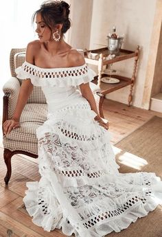 "Grace Loves Lace""Princess Eugenie has a beautiful feminine figure and a playful sense of style. - Courtesy of Grace Loves Lace Grace Loves Lace, Boho Wedding, Wedding Gowns, Lace Weddings, Wedding Engagement, Bridal Dresses, Hippie Wedding Dresses, Summer Wedding, Wedding Venues"
