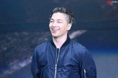 i bleed black and yellow  : 160319 Taeyang- VIP Fan Meeting in Nanjing DO NOT...