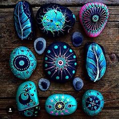 Beautiful & Unique Rock Painting Ideas , Let's Make Your Own Creativity Painted rocks have become one of the most addictive crafts for kids and adults Dot Art Painting, Pebble Painting, Pebble Art, Stone Painting, Rock Painting Ideas Easy, Rock Painting Designs, Stone Crafts, Rock Crafts, Mandala Rocks
