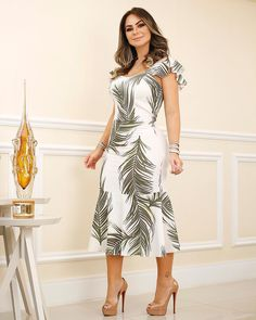 Dress midi, com print exclusivo . Dressy Dresses, Cute Dresses, Beautiful Dresses, Kohls Dresses, Prom Dresses, Summer Dresses, Women's Fashion Dresses, Girl Fashion, Trendy Fashion