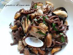 Il gusto fresco ed avvolgente fanno dei tagliolini al cacao con cozze e vongole un piatto raffinato e di sicuro successo.