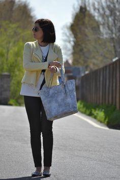 """Victim of my closet"" lleva bolso de piel Robert Pietri.  #RobertPietri #Handbags #MadeinSpain #HechoEnEspaña #blogs #moda #tendencias #victimofmycloset"
