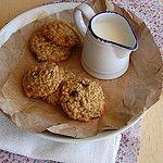 Toasted oat, cherry and hazelnut cookies / Cookies de aveia e avelã tostadas e cerejas secas by Patricia Scarpin