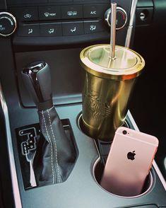 This Starbucks cup tho! Cute Car Accessories, Pagani Huayra, Car Goals, Cute Cars, First Car, Future Car, Dear Future, Luxury Lifestyle, Girly Things