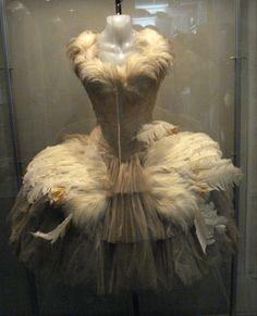 Helen Rose - Costumes - Tutu en Plumes - Maria Tallchief 'La Pavlova'  - Le Lac des Cygnes - La 1ère Sirène - 1952