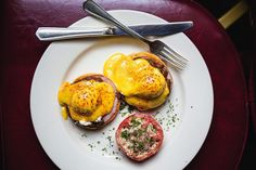 Eggs Benedict With Red Wine (U.S.) | 29 Ridiculously Delicious Ways To Eat Eggs Around The World
