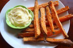 Sweet potato fries w/paleo garlic mayo