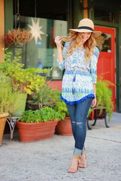 Ruffled tunic, dressed jeans, casual boho outfit