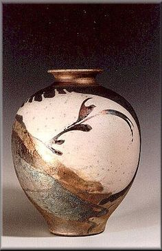 gordon hutchens My first Raku workshop was with Gordon a long long time ago so glad his work is just as beautiful as ever ! Ceramic Clay, Ceramic Vase, Ceramic Pottery, Pottery Art, Slab Pottery, Pottery Sculpture, Ceramic Sculptures, Handmade Pottery, Handmade Ceramic