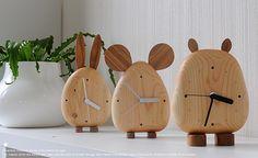 造形作家・高橋晋市 作 天然無垢材 置き時計 TIMEシリーズ カバタイム ピョンタイム チュウタイムの名前が可愛い