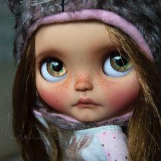 Commission. #blythe #blythedoll #blythestagram #instablythe #doll #dollstagram #instadoll #toletoledolls #toletolecustom #takara #ebl #cinnamon