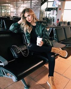 40 Ideas For Travel Outfit Airport Fashion Photo Look Fashion, Fashion Photo, Winter Fashion, Fashion Outfits, Womens Fashion, Airport Travel Outfits, Airport Style, Airport Fashion, Travelling Outfits