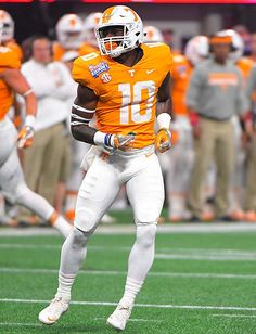 The Tennessee Volunteers are more than eager to hit the reset button and put the worst season in school history behind them. Tennessee Volunteers Football, Sec Football, Oregon Ducks Football, Notre Dame Football, Nike Football, Alabama Football, Football Season, College Football Uniforms, Sports Uniforms