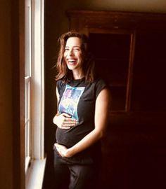 Ребекка Холл ждет ребенка https://dni24.com/exclusive/150765-rebekka-holl-zhdet-rebenka.html  Ребекка Холл, являющаяся известной актрисой, рассказала поклонникам о своей беременности. Публикация с округлившимся животиком появилась в ее микроблоге Instagram.