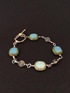 Green wrapping bracelet – Luzjewelrydesign