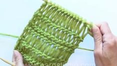 How to knit dropped stitches aka elongated sts in different lengths en Vimeo Lace Knitting Stitches, Knitting Patterns, Crochet Patterns, Crochet Tunic, Knitting Videos, Drops Design, Sweater Design, Knit Fashion, Crochet For Beginners