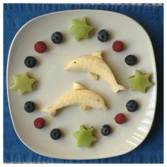 Fun food art Propeller Plane - Fun, healthy, creative food for kids big and small Food Art Lunch, Kreative Snacks, Food Art For Kids, Children Food, Cute Food Art, Art Children, Creative Food Art, Creative Ideas, Cute Snacks