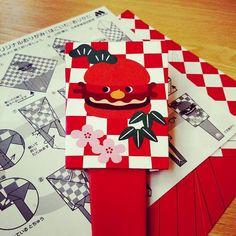 #はごいた at MosBurger close to #Shiinamachi station has gave a #Origami paper. ... a little difficult Hagoita. 10minuites #happy.  #トキワ荘のあった街 #東京 #love #art #昭和 #showa #japan #tokyo #life #漫画 #manga #レトロ #昭和レトロ #椎名町 #color #photo #instagood #picoftheday #photography #place #旅 #travel #town