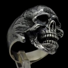 Ny unik Sterling Silver Skull Masonic Ring Freemasonry Freemasonry Handgjorda Biker Alla storlekar US 7 15 – Beleza Silver Skull Ring, Skull Rings, Skull Jewelry, Gothic Jewelry, Bijoux Design, Jewelry Design, Argent Sterling, Sterling Silver, Biker Rings