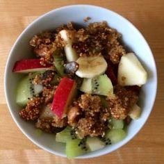 Salade de fruits et granola de quinoa et graines sans gluten, sans lactose et sans fodmpas