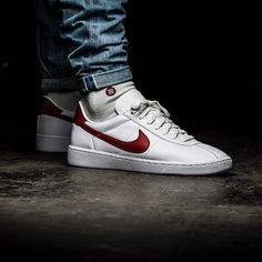 Nike Bruin