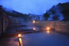 秋田県八幡平ふけの湯温泉 敷地内に3種の源泉 地熱浴オンドルもある