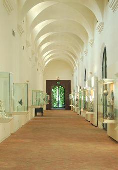l'antico convento, oggi sede delle ceramiche rinascimentali faentine