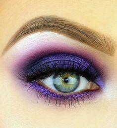 Purple eyeshadows look