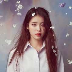 Girl Photo Poses, Girl Photos, Kpop Girl Groups, Kpop Girls, Iu Short Hair, Stylish Girl Images, K Idols, Korean Singer, Korean Girl