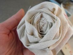 How to make the fabric rosettes to go with the tote bags!