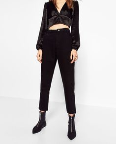 Image 2 of MOM FIT JEANS from Zara