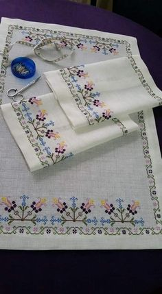Cross Stitch Borders, Modern Cross Stitch Patterns, Cross Stitch Designs, Simple Embroidery, Crewel Embroidery, Cross Stitch Embroidery, Palestinian Embroidery, Crochet Bedspread, Bargello