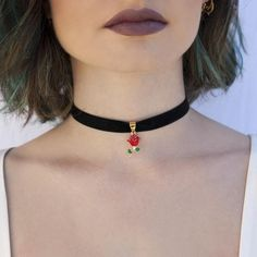 Black Velvet Rose Choker ($24) ❤ liked on Polyvore featuring jewelry, necklaces, rose jewellery, rosette necklace, choker jewellery, choker necklace and velvet jewelry