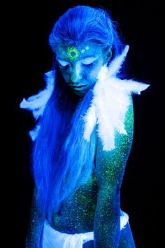 Do you like black light makeup? I present to you some of my photos of UV bodypainting. Black Light Makeup, Uv Black Light, Electric Forest, Neon Painting, Light Painting, Uv Photography, Fashion Photography, Uv Makeup, Kunst Party