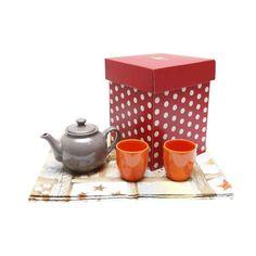 Pachet cu ceainic, pahare si runner in cutie cadou