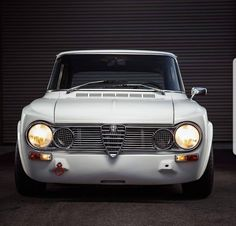 Alfa Romeo Giulia, Old Cars, Cars And Motorcycles, Vintage Cars, Porsche, Classic Cars, Trucks, Material Things, Car Stuff