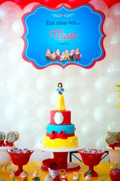 Snow White themed birthday party with lots of CUTE IDEAS via Kara's Party Ideas: the cake