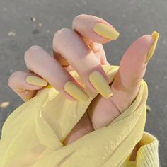 Edgy Nails, Stylish Nails, Cute Nails, Pretty Nails, Acrylic Nails Coffin Short, Simple Acrylic Nails, Best Acrylic Nails, Acrylic Nails Yellow, Yellow Nail Art