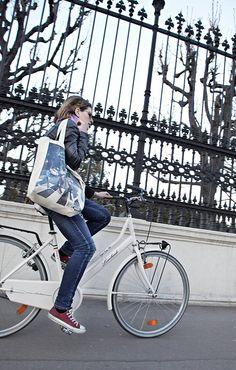 IMG_4349 by Vienna Cycle Chic, via Flickr Dutch Bike, Cycle Chic, Listening To Music, Vienna, Cycling, People, Dutch Bicycle, Biking, Bicycling