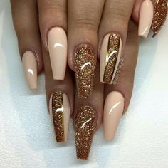 """""""Vanilla Dream"""" with bronze glitter and golden stripes - Trend Nails Sexy Nails, Glam Nails, Hot Nails, Bling Nails, Hair And Nails, Gorgeous Nails, Pretty Nails, Fabulous Nails, Fall Acrylic Nails"""