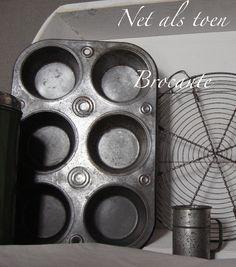 Oude, brocante muffinvorm 6 vakken, bij webshop; Net als toen Brocante.
