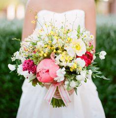 Žluto-růžová kytice s pivoňkami *** yellow and pink peony bouquet Anemone Bouquet, Peonies Bouquet, Peony, Bouquet Toss, Pink Bouquet, Yellow Bouquets, Floral Bouquets, Floral Wedding, Wedding Flowers