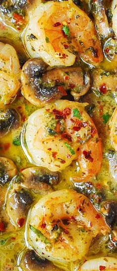 Pesto Garlic Shrimp with Mushrooms.Pesto Shrimp with Mushrooms Pesto Garlic Shrimp with Mushrooms.Pesto Shrimp with Mushrooms Shrimp Dishes, Fish Dishes, Pesto Dishes, Easy Dinner Recipes, Easy Meals, Shrimp Dinner Recipes, Dinner Ideas, Simple Shrimp Recipes, Diabetic Dinner Recipes