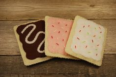 """felt pop tarts! Diy inspiration for food in a Play kitchen! Use beads and sequins as """"sprinkles"""""""