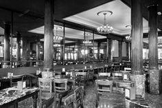 Café Comercial  Se trata del café más antiguo de Madrid, ya que el primer documento que se encuentra en los Archivos de la Villa de Madrid data del 21 de marzo de 1887.
